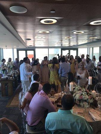 La Concha Renaissance San Juan Resort: Con el mejor crew de la Concha!! Gracias Amnel, Haydee, Waleska, Juan, Isania y Josephine por hacer de esta boda una espectacular! El servicio, la comida, el servicio de barra y todas sus atenciones hacen de este momento inolvidable, uno memorable!!!