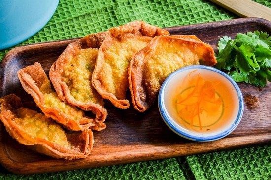 Makiinny: Keaw Tod - Crispy Dumplings