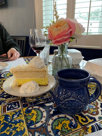 Dayton, MD: tropical cheesecake dessert and coffee