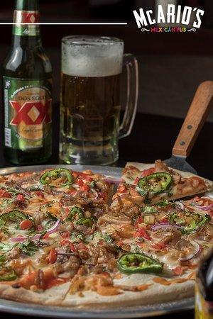 McArios: Deliciosa pizza de carnitas y pico de gallo