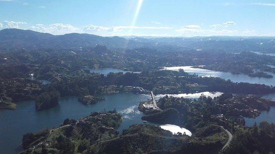Piedra Del Penol: Maravillosa vista desde lo más alto de la piedra...