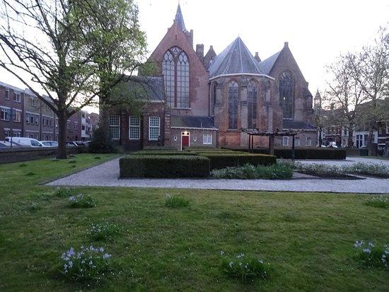 De 14de eeuwse St Janskerk Schiedam uit 1335