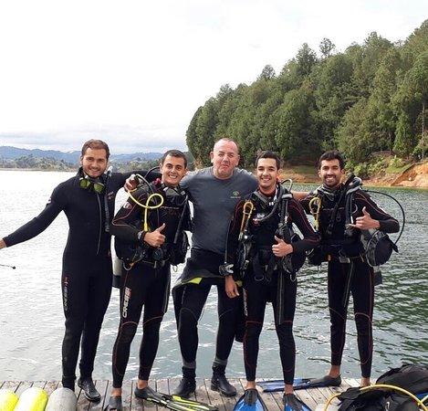 Aquarius Diving Club: www.aquariusdivingclub.com Medellín - Santa Marta
