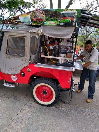 Amaga, Colombia: Jeep del Café en el parque de Amagá, excelente café