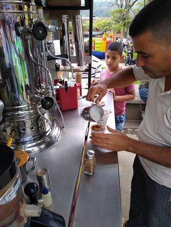 Amaga, Kolumbia: Jeep del Café en el parque de Amagá, excelente café