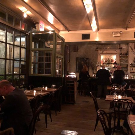 Freemans Restaurant: In & Out