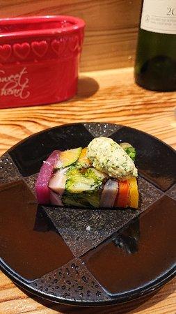 野菜のテリーヌ、カワハギの肝ソース、ホンビノス貝白ワイン蒸し、熊本あか牛