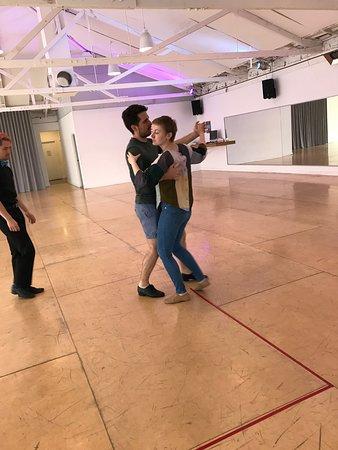 QuickSteps Dance Club Studio: A lesson in progress