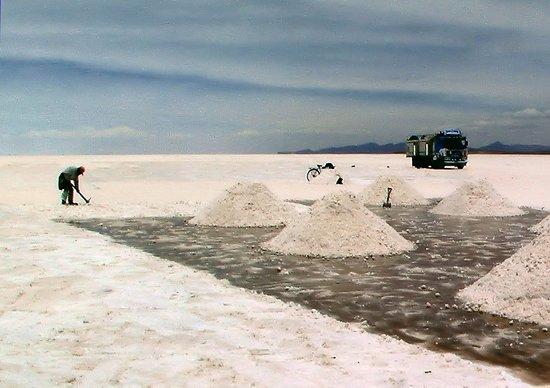 Salt workers at Salar de Uyuni