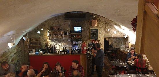 Restaurant Chez Grand Mere: la salle au sous-sol