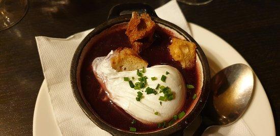 Restaurant Chez Grand Mere: oeuf sauce au vin