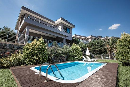 Pool - Picture of Aria Claros Beach & Spa Resort, Ozdere - Tripadvisor
