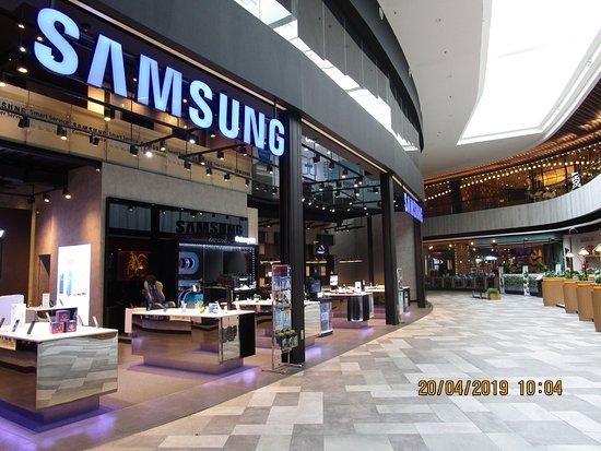 Supermal Pakuwon Indah: Samsung