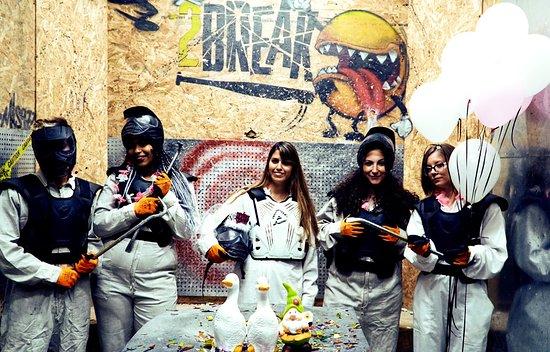 2Break - Rage Room