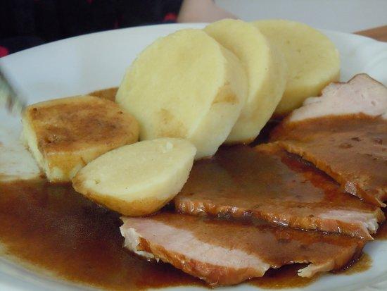 Pernink, Tsjechië: Uzené s bramborovým knedlíkem...