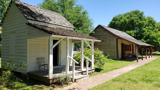 Kent Plantation House: Views from around the Plantation