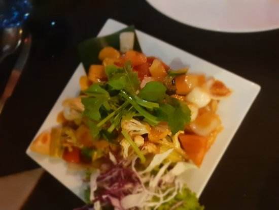 Un super restaurant avec un très bon choix de poissons fruits de mer et coquillages... et un des meilleurs Mai Thai du littoral.