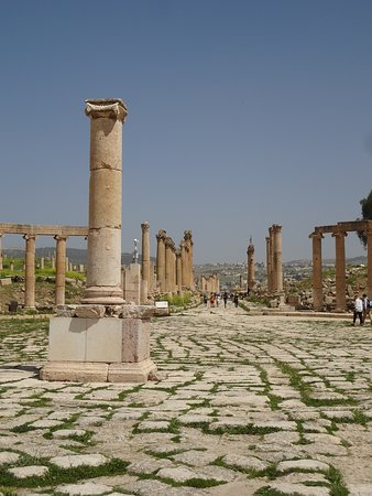 Walking the ruins of Jerash