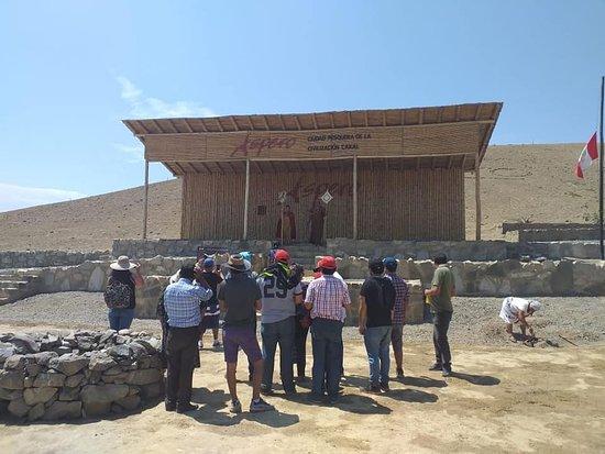 Puerto Supe, Peru: Representación de la Dama de los cuatro tupus  y el chaman  del Áspero....Gracias por su visita a todos.......