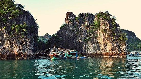Explorer Lagoon: Ocean Junks - Day Cruise