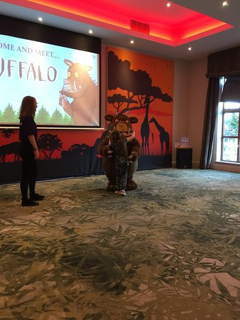 Gruffalo meet and greet in the ranger club. Not hard to find but not sign posted so we directed a couple of wandering guests trying to find it. first doors on the right in the ranger club