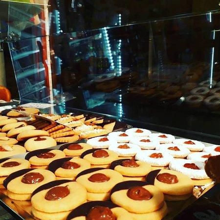 Caffe del Teatro Pasticceria Napoletana: Sweets. Cookies.
