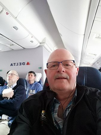 Delta Air Lines: Selfie for an idea of the inside of the planes...clean, new fleet....