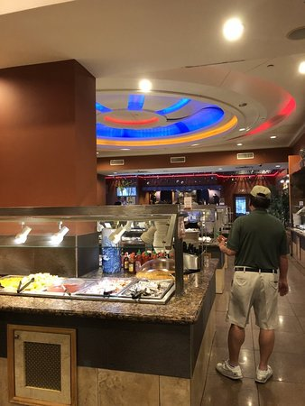 Hibachi Grill & Buffet: View from the hibachi bar towards the restaurant's lobby