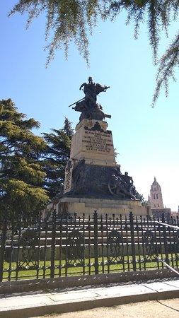 Monumento a los Heroes del 2 de Mayo