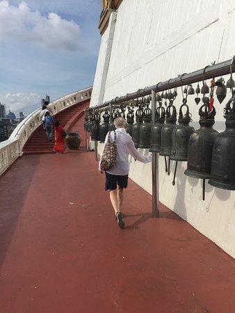 The Golden Mount (Wat Saket): Ringing of the bells as you climb