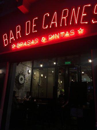 Bar de Carnes - Brasas & Pintas: Asi de lindo somos de noche