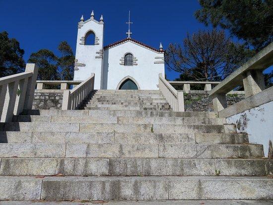 Castro de S. Lourenco: Igreja de S. Lourenço, no cimo do monte