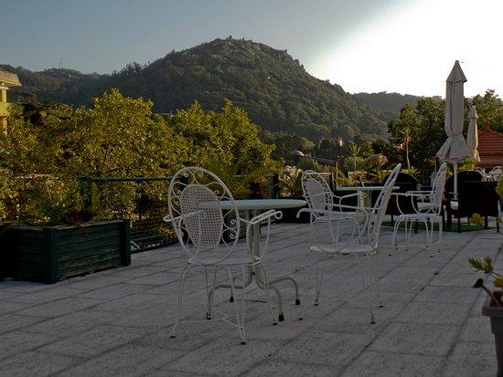 Hotel Nova Sintra: View of the Moorish Castle from the wonderful terrace.