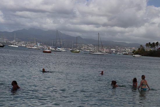 The boats and the swimmers
