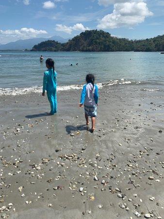 Murky beach even on sunny days but very calm and shallow!