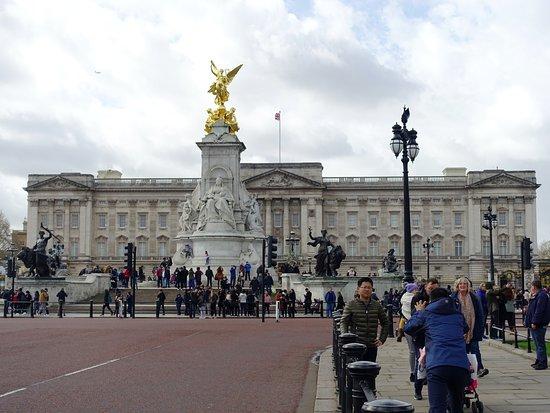 버킹엄 궁전 사진