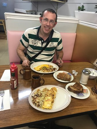 vickie s diner las vegas menu prices restaurant reviews rh tripadvisor com