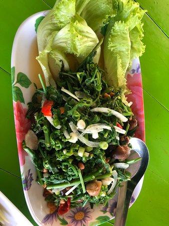 Moom Aroi Na Phu Ruea Photo