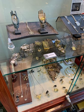 Beautiful pieces for presents or yourself