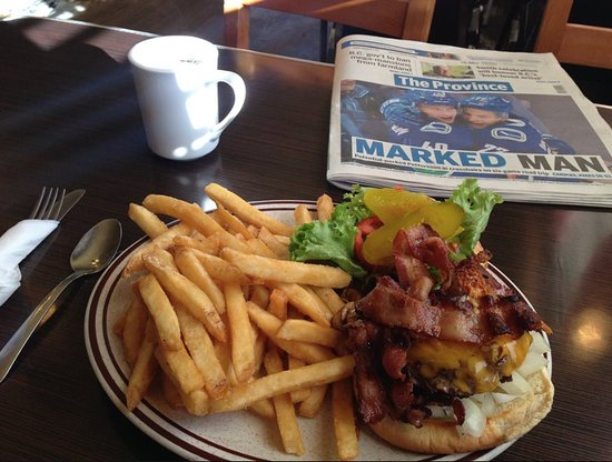Five Corners Cafe: Mushroom Bacon Cheeseburger.. you know you wannnnnt it!