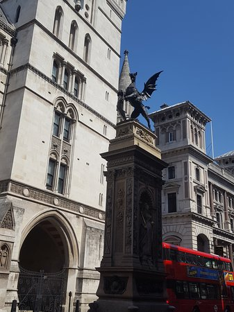 FANTASTIC LONDON WALKING TOUR