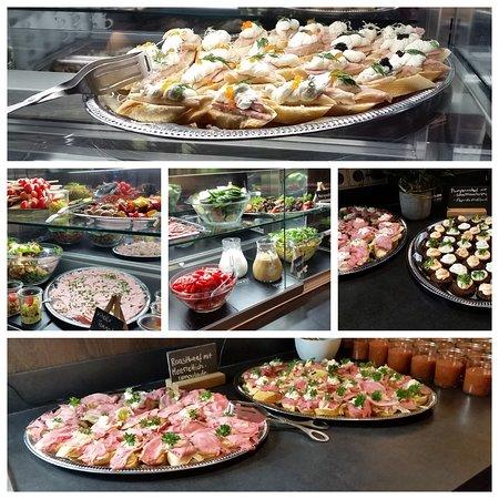 Cafe Weiss: so könnte auch Ihr Essen bei einer Feier aussehen
