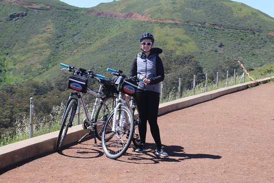 San Francisco Bike Rental from Fisherman's Wharf or Union Square: Biking towards Marin Headlands