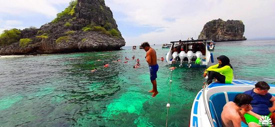 One Day Tour Rok Island  By Wangsai Speed Boat  Travel from Ao Nang Pier to Krabi The captain of the boat will take you to snorkel the coral at Koh Ha.