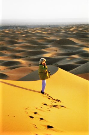 Morocco: Sonnenaufgang auf den Dünen bei Erfout