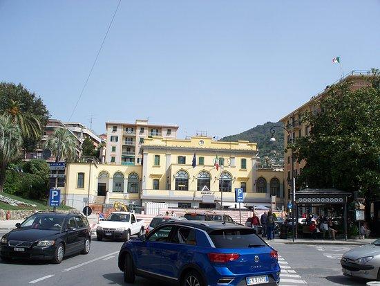Stazione Ferroviaria di Rapallo