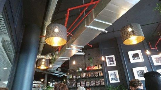Crok House: salle restaurant