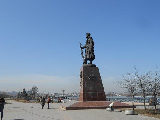 伊尔库茨克英雄纪念碑