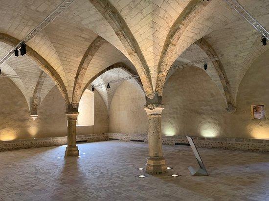 Abbaye Royale de L'Epau: Une abbaye à visiter porteuse de nombreux projets culturels et pédagogiques