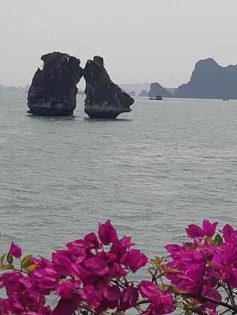 Halong Bay: מסיימים בנשיקה